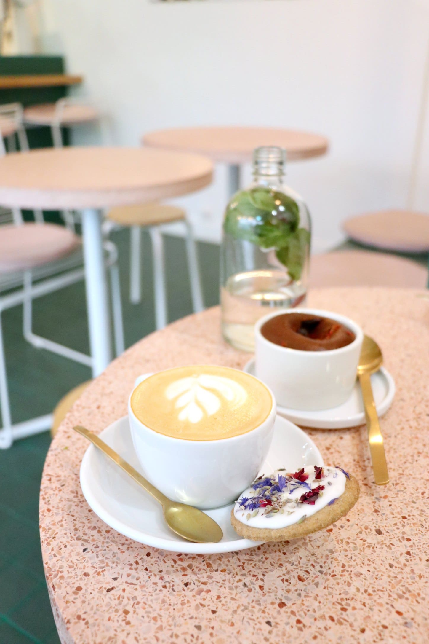 Peonies Café, Paris